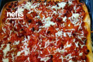 Pizza (Farklı Yapılış) Tarifi