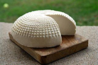 Sepet Peyniri Nasıl Yapılır? Özellikleri Nelerdir? Nasıl Yenir?