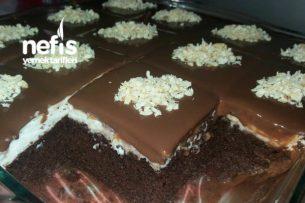 Bol Çikolatalı Islak Pasta Tam Kıvamında Tarifi