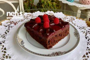 Bol Soslu Çikolatalı Vişneli Yaş Pasta Tarifi