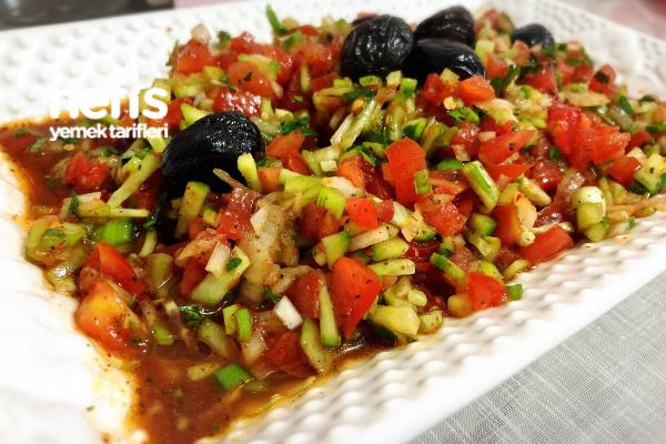 Kebapçı (Ezme) Salatası Tarifi