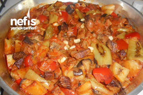 Kuşbaşı Etli Fırında Doğrama Patlıcan Patetes Yemeği Tarifi