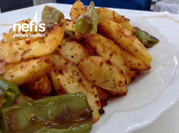 Fırında Baharatlı Çıtır Patates ( Enfes )
