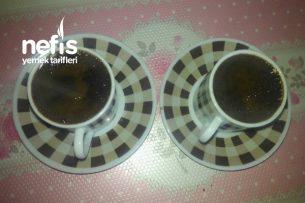 Dumanı Üstünde Bol Köpüklü Kahvem Tarifi