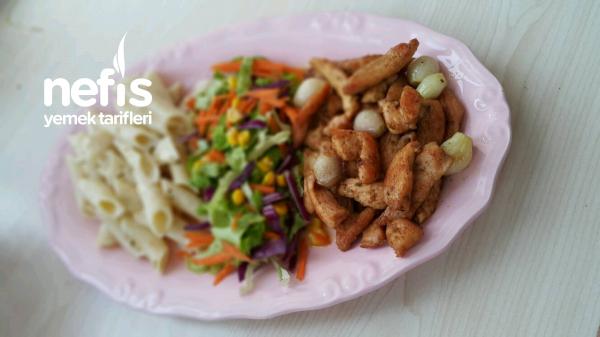 Kremalı Makarna Eşliğinde Körili Kremalı Tavuk ( Tavuk Dünyası Lezzetinde)