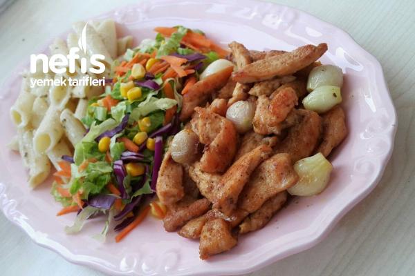 Kremalı Makarna Eşliğinde Körili Kremalı Tavuk (Tavuk Dünyası Lezzetinde) Tarifi