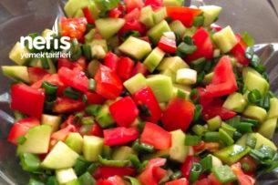 Taze Soğanlı Salata Tarifi