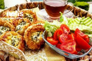 4 Malzemeli Peynirli Çıtır Çıtır Milföy Börek (5 Dakikada 12 Adet) Tarifi