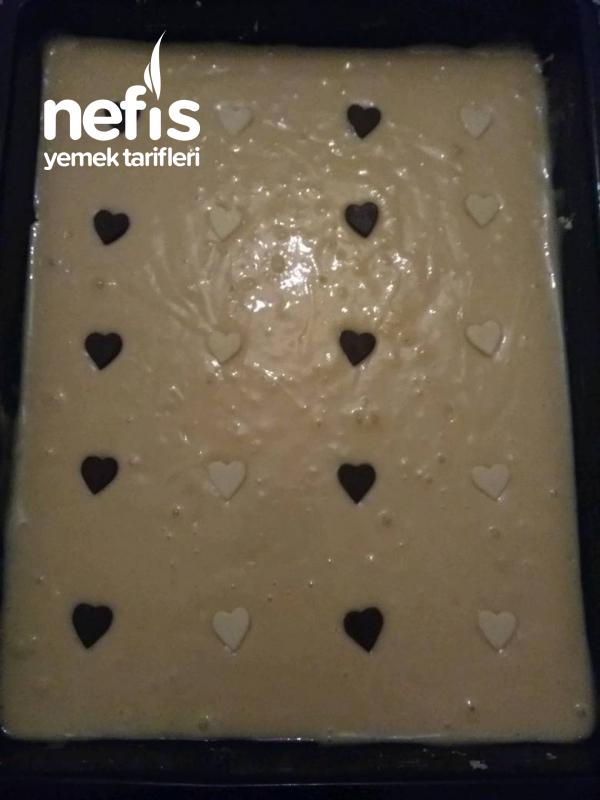 Çikolata Kalpli Sade Kek