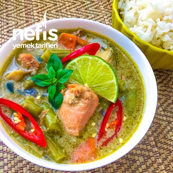 Balıklı Yeşil Karri Yemeği