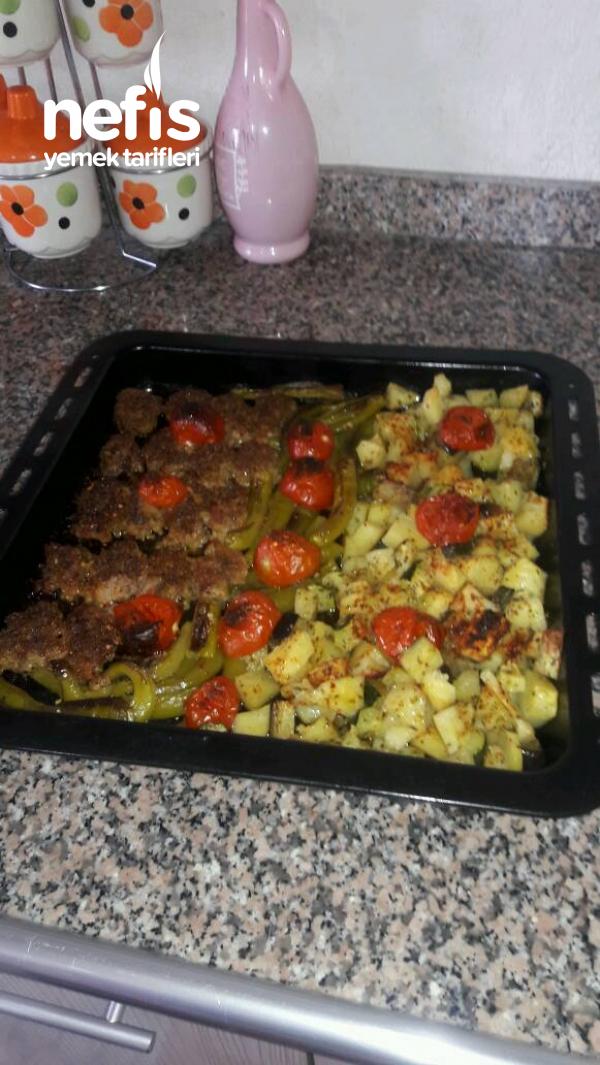 Fırında Köfteli sebzeli Tepsi Sıralama