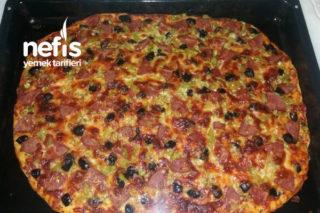 10 Dk Pizzası (Lezzetli Mi Lezzetli) Tarifi