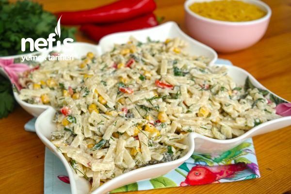 Erişte Salatası Yapımı (videolu) Tarifi
