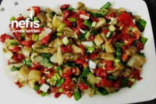 Közlenmiş Biber Patlıcan Salatası Tarifi