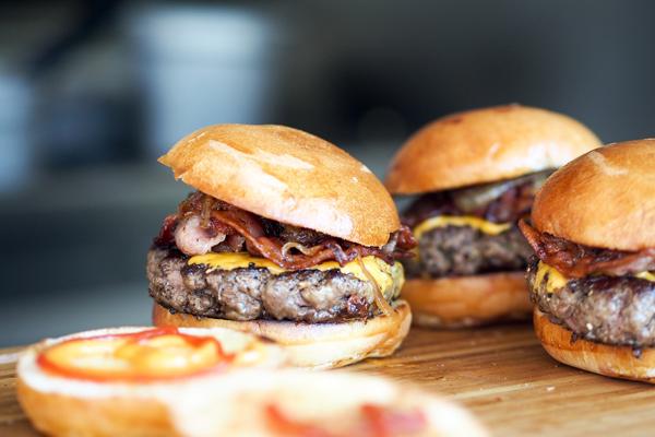 dana bacon burger
