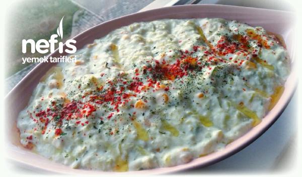 Pratik Nefis Yoğurtlu Kabak Salatası