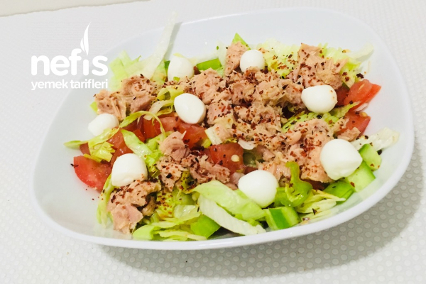 Ton Balıklı Peynirli Salata Tarifi