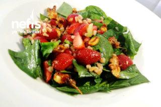Çilekli Ispanak Salatası Tarifi