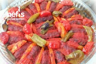 Enfes İzmir Köfte (Sosu Harika) Tarifi