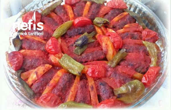 Enfes İzmir Köfte (Sosu Harika)