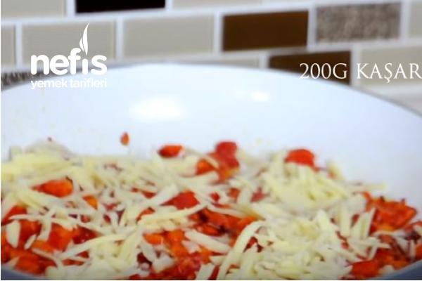 Kahvaltılık Kaşar Peynirli Kırmızı Biber