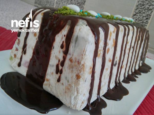 10 Dakikada Serinleten Çikolatalı Meyveli Parfe