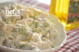 İftar Davetleri İçin Pratik Bir Meze Yoğurtlu Tavuk Salatası Tarifi