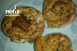 Pırasalı Havuçlu Peynirli Gül Börek Tarifi