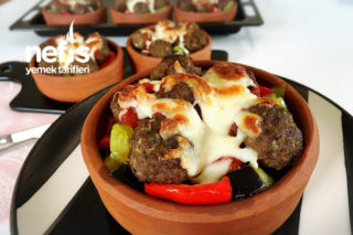 Güveçte Köfteli Sebze Kebabı (videolu) Tarifi