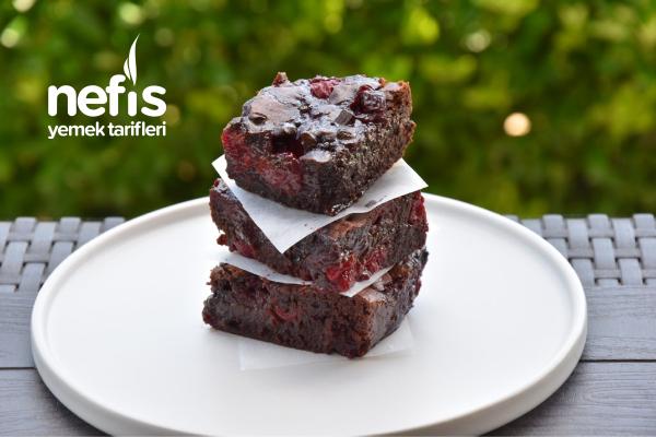 Duble Çikolatalı Vişneli Brownie (Enfes Lezzet) Tarifi