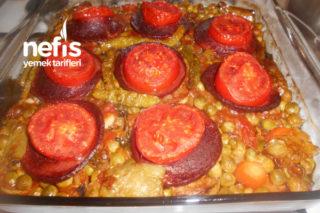 Fırında Sebzeli Osmanlı Sucuğu Yemeği Tarifi