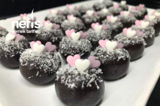 5 Dakikada Minik Çikolata Topları Tarifi