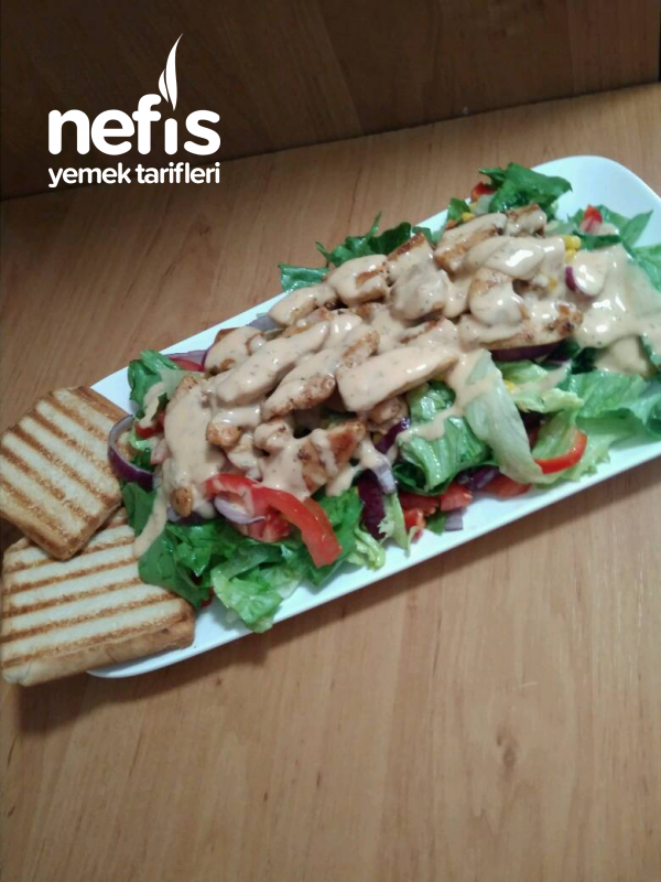 French Soslu Tavuk Gögüslü Nefis Salata