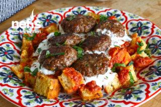 Köfteli Bayat Ekmek Kebabı Tarifi (videolu)