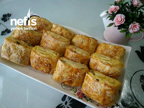 Patatesli Ve Peynirli Dilim Börek (Su Böreği Tadında)