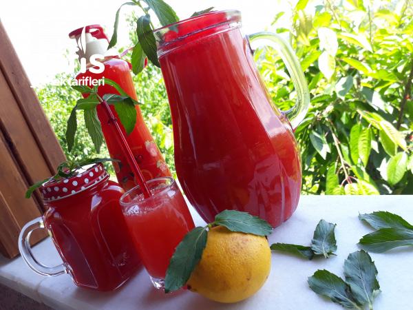 Çilekli Yaz Limonatası (Aroması Muhteşem)