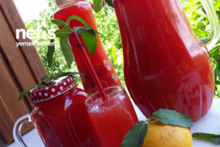 Çilekli Yaz Limonatası (Aroması Muhteşem) Tarifi