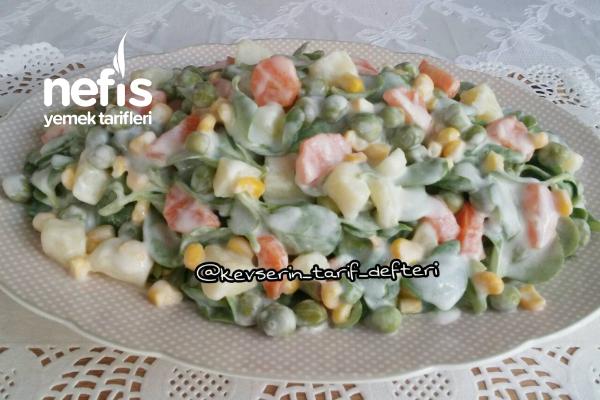 Ferah Garnitürlü Semizotu Salatası Tarifi