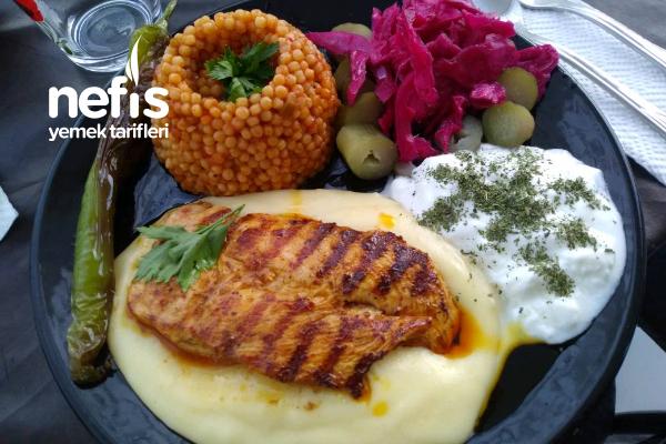 Patates Püresi Yatağında Tavuk Fileto Tarifi