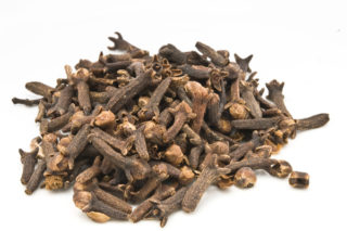 Karanfil Çayı Faydaları Nelerdir? Nasıl Yapılır? Zayıflatır Mı?