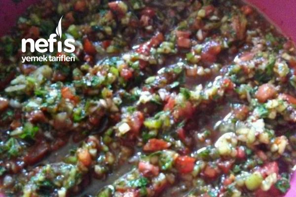 Nefis Ezme Salatası (Kebabın Yanında Süper)