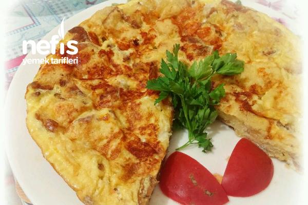 Enfes Bayat Ekmek Omleti (Börek Tadında) Tarifi