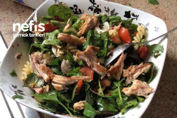 Makarnalı Tavuklu Salata Tarifi