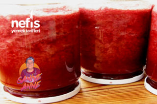 Çilek Püresi Konservesi – Çilekli Meyve Suyu Tarifi (videolu)