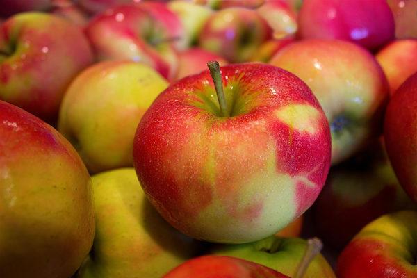 Elmanın Faydaları Nelerdir? Kimse Evinden Eksik Etmeyecek Tarifi