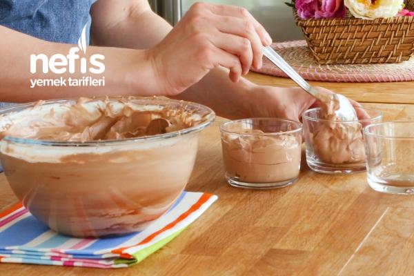 Yumurtasız Çikolatalı Mousse Tarifi (Sadece 3 Malzemeden)