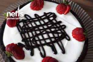 Tart Kalıbında Göz Dolduran Pasta Tarifi