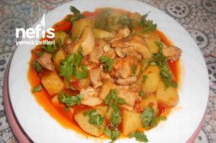Domatesli Tavuklu Zeytinyağlı Patetes Yemeği Tarifi
