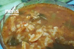 Tavuklu Pirinçli Semizotu Çorbası Tarifi