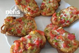 Kahvaltılık Ekmek Üstü Pizza Tarifi